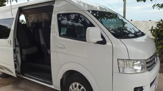 Belize VIP Transfer Services: 15 Passenger van for Group transfers