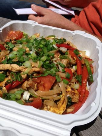 Noi's Little Thai Takeout: Pad Kee Mow w/ chicken