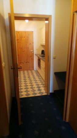 Landhaus Kossel : Hallway and room kitchen area