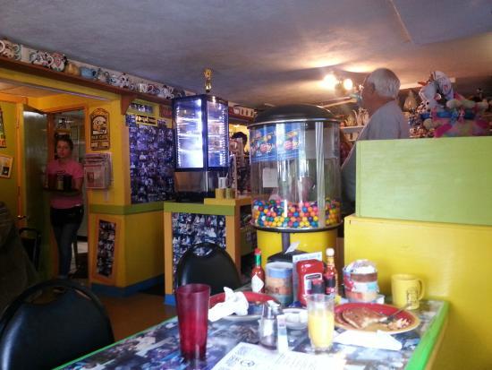 Java Joe's Cafe: Inside Java Joe's