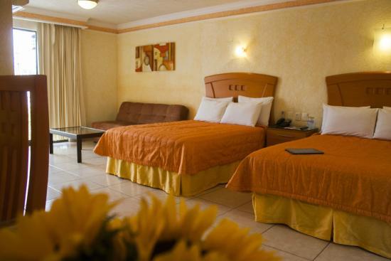 Hotel puerta del sol desde guadalajara m xico for Resort puertas del sol precios