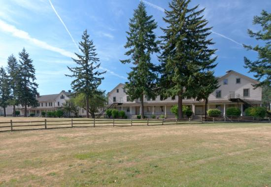 Fort Vancouver barracks