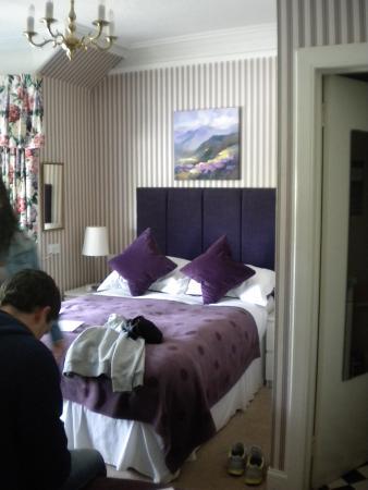Pitcullen Guest House: Familjens härliga rum, 4 vuxna, denna natt i Perth!