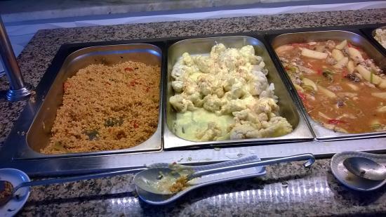 Hotel Sunberk: Večeře all inclusive v hotelu Sunberk. Bulgur, květák, těstoviny, bramborové krokety, maso žádné