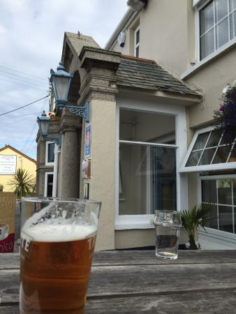 The Top House: Lovely to have a drink outside and enjoy the Lizard Square