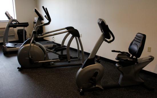 Days Inn Watertown: Fitness Room view 2