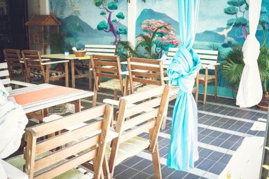 The Soul Apart Hotel Restaurant and Pastry: летняя площадка