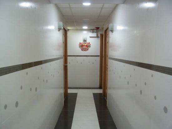 Mei Lam Guest House : 廊下
