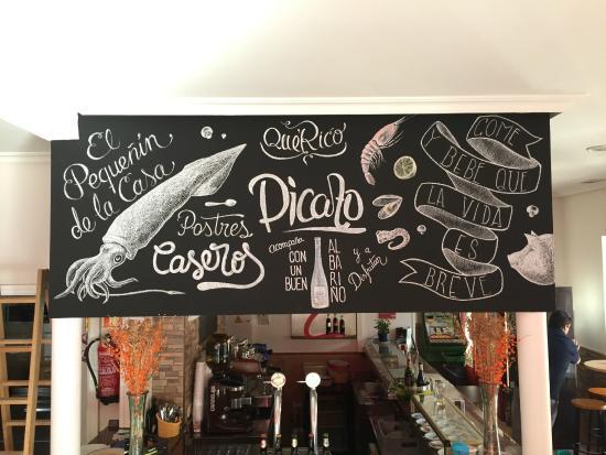 Decoraci n a mano de las paredes picture of restaurante for Decoracion de restaurantes