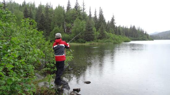 Moose Pass, AK: Fishing near the trail