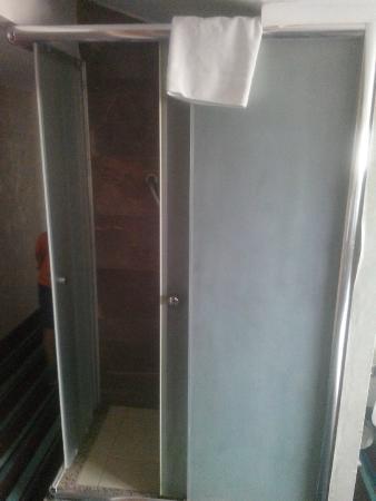 Notte Hotel: berbat duş
