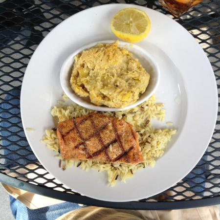 Aubrey's Restaurant: Salmon Citrus with rice & baked squash