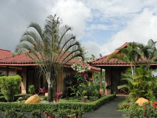 Hotel Rey Arenal: Private bungalow