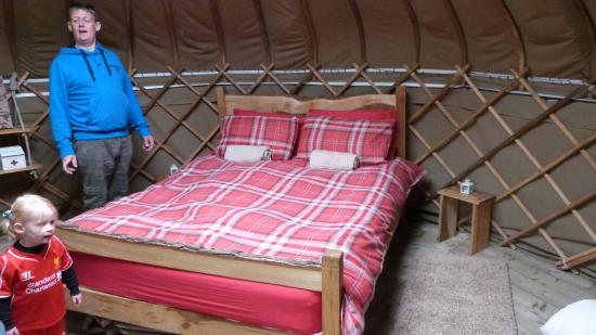 Saba's Glen Yurt: Bed :)