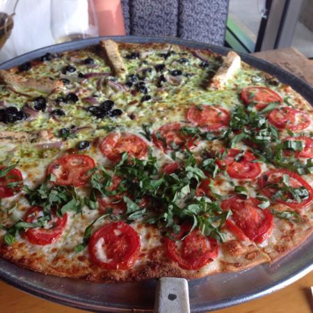 Bella Monica Italian Restaurant: Gelato and pizza