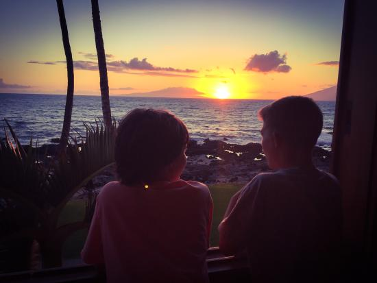 Five Palms Lahaina: Our sunset view