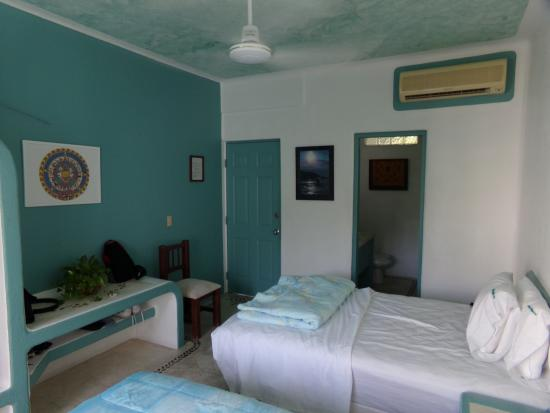 Hotel Plaza Delphinus : Room # 10 with two beds, a/c, and fan.
