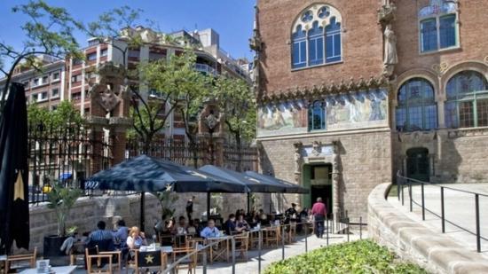 1902 Cafe Modernista: 1902 Modernista next to San Pau hospital