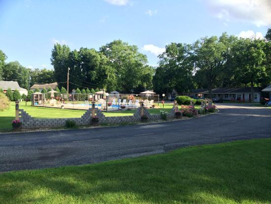 Lake Geneva Motel Street View