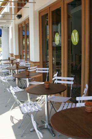 M Cafe De Chaya: M Cafe Melrose Outdoor Tables