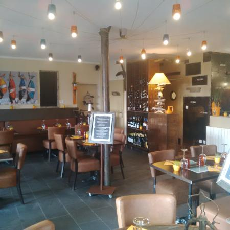 Deco du resto photo de restaurant le bb bar breton etel tripadvisor for Deco resto