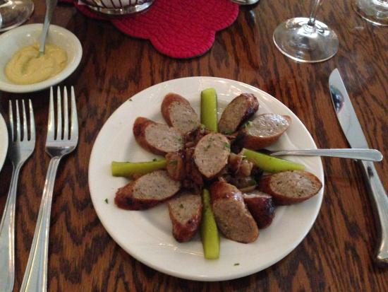 Peter's Steak House: Bratwurst appetizer