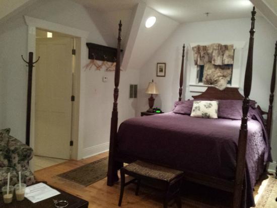 Alpine Haus Bed and Breakfast Inn: Room