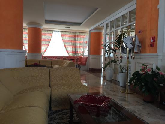 Hotel Cambridge: Lounge area.