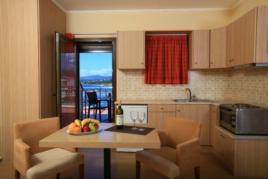 Faros Luxury Suites : ΑΠΟΛΛΩΝΑΣ