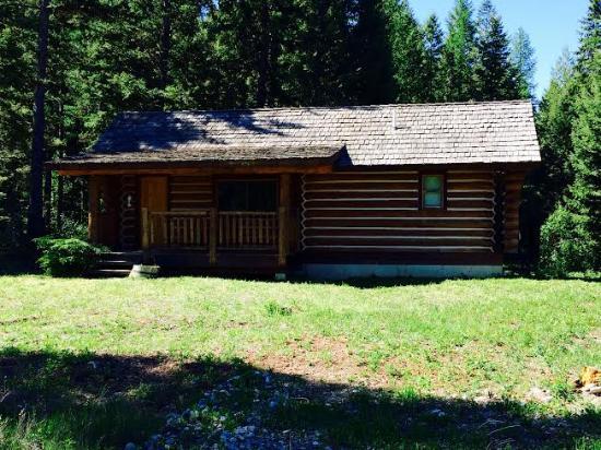 Fortine, MT: Private Cabin