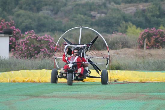 TRIKEFORCE - Powered Paragliding: ve iniş