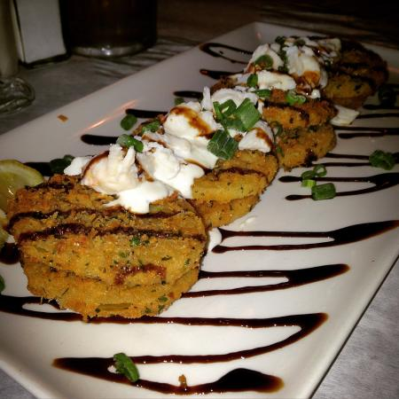 Cannon's ChopHouse: Fried Green Tomatoes