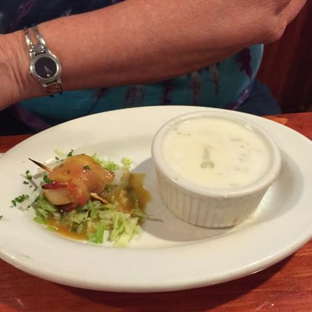 Cape Ann Foodie Tours: Scallop-wrapped bacon and clam chowder! Delicious food!