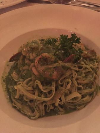 Mama's Meatball : Pesto com camarões