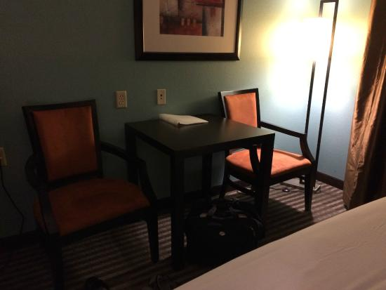 Holiday Inn Express Somerset: table in room - no desk