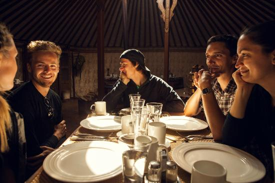 Jalman Meadows Wilderness Camp: Dining