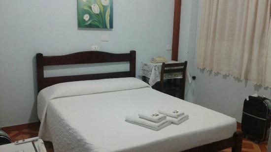 Casarao Hotel: Quarto simples, mas confortável