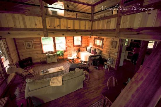 Irvine, KY: cabin