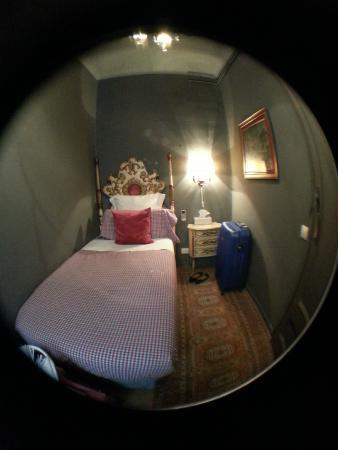 Casa de Billy Barcelona: Single room 5th floor