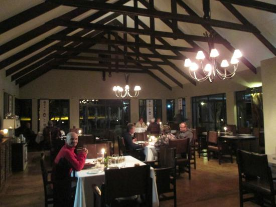 Otjiwa Safari Lodge: Dining room