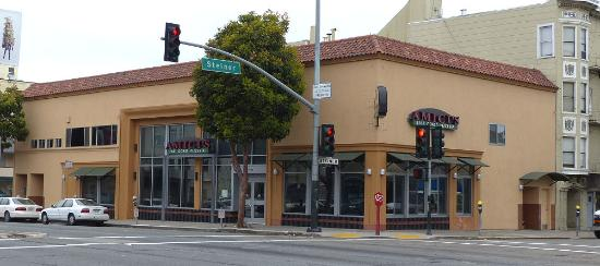 Amici's East Coast Pizzeria: exterior shot, corner of Lombard and Steiner