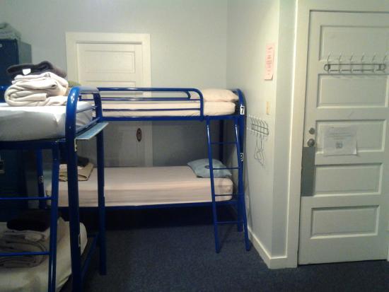 HI Regina - Turgeon International Hostel: Women's dorm