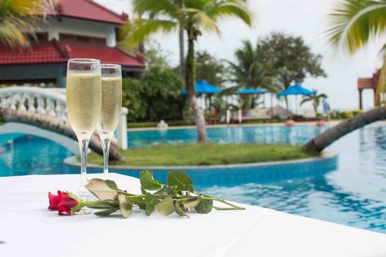 Sokha Beach Resort: Swimming Pool