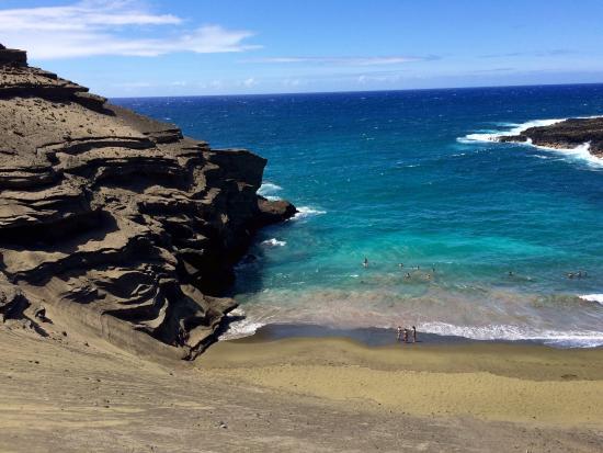 naalehu girls Hawaiʻi (english: / h ə ˈ w aɪ i, - j i, - ʔ i / ( listen) hə-wy-(y)ee hawaiian: [həˈvɐjʔi]) is the largest island located in the us state of hawaiiit is the largest and the southeastern-most of the hawaiian islands, a chain.