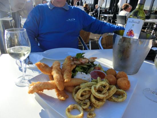Sharky's Restaurant Bar and Grill: Taster Plate - excellent