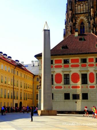 Obelisco foto di praga boemia tripadvisor for Design hotel neruda praga praga repubblica ceca