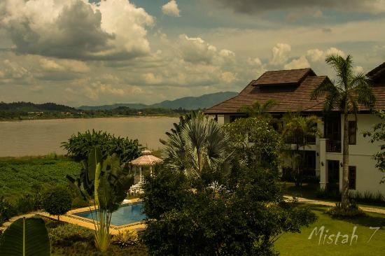Gin's Maekhong View Resort & Spa: View from reception and restaurant