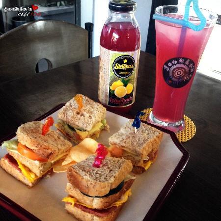 Siniloan, Philippinen: Clubhouse Sandwich
