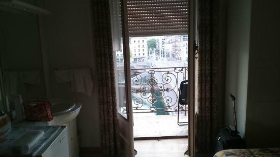 Des Tourelles : На балкон.