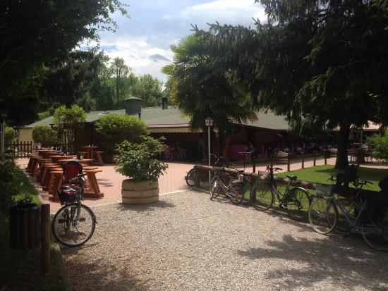 Pizzeria Gelateria Lago Verde: L'ingresso
